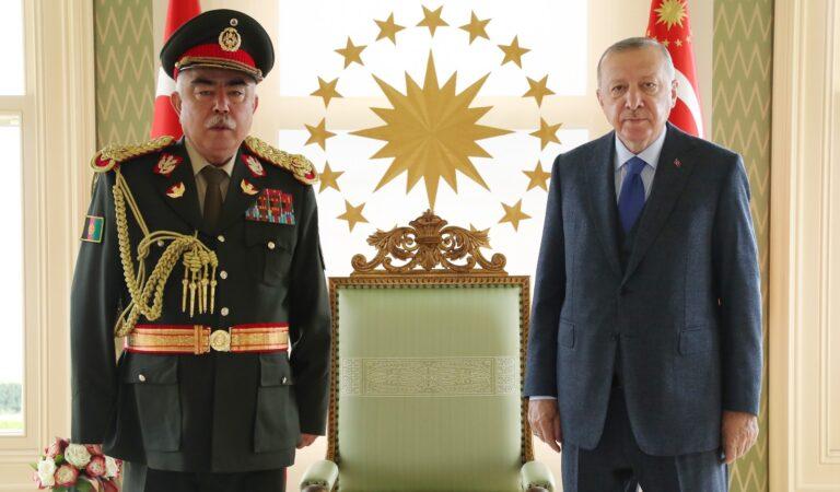 Cumhurbaşkanı Erdoğan, Afganistan'ın eski Cumhurbaşkanı Yardımcısı Mareşal Raşid Dostum'u kabul etti